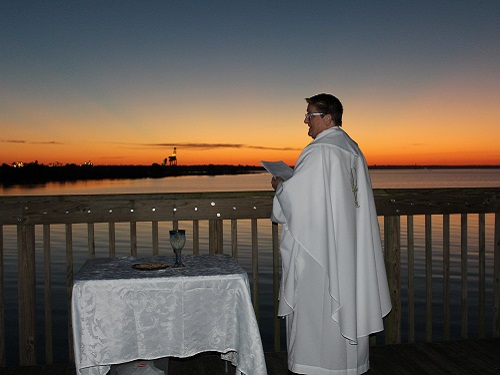 Rev Sara Sills at Easter Sunrise Service